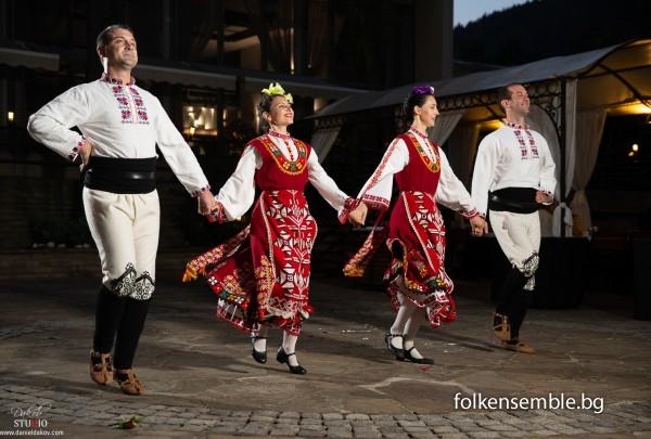 Танцови и фолклорни програми